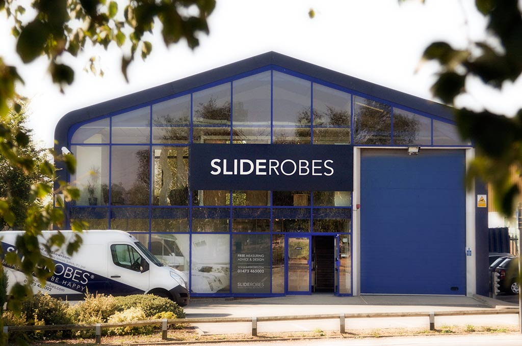 sliderobes ipswich showroom front view