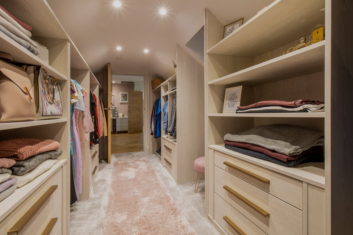 Walk-In Wardrobe, His and Hers
