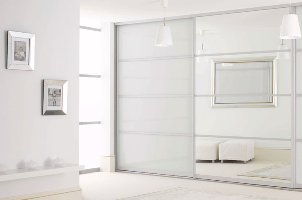 Sliderobes White Glass Sliding Mirror Door Detail