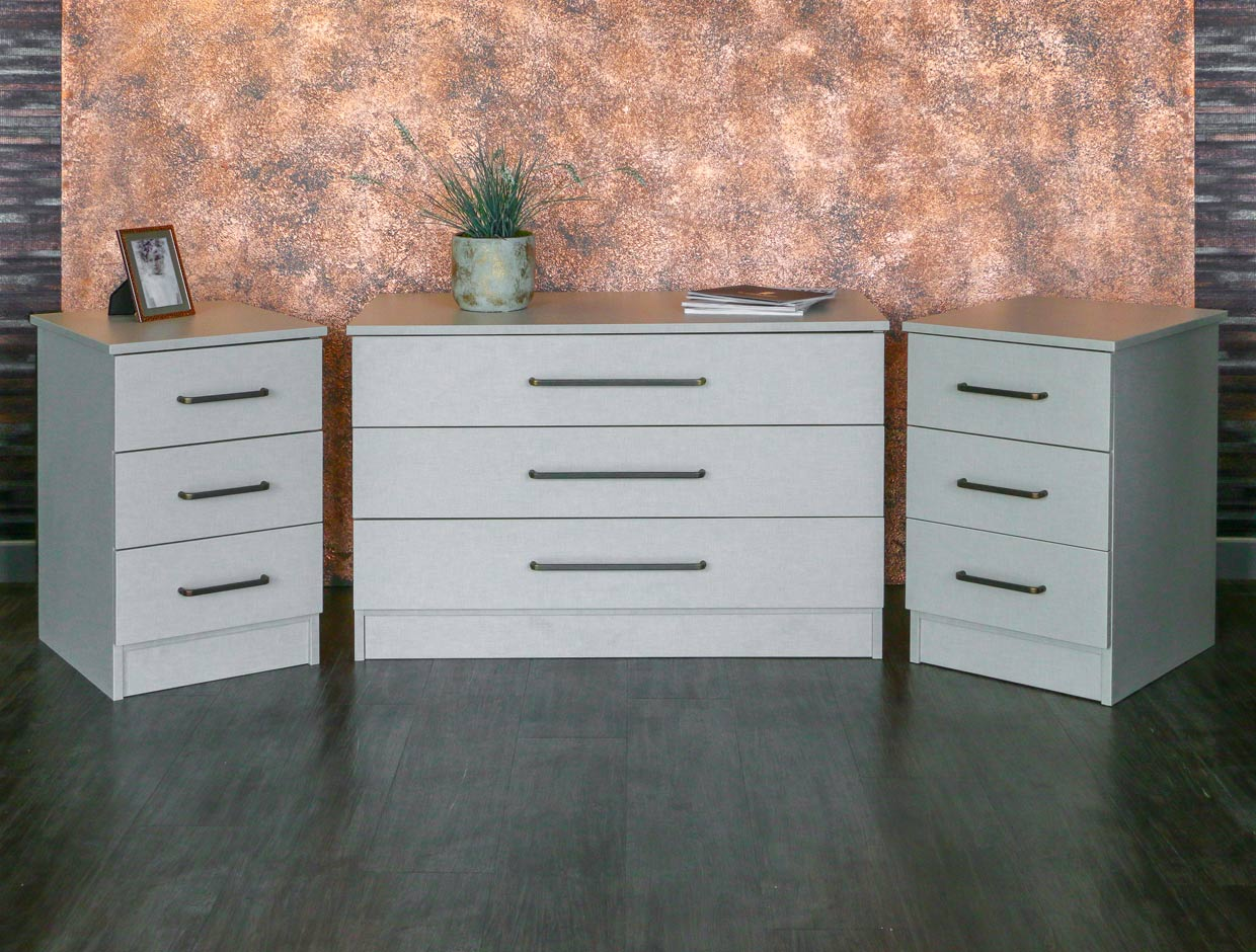 Sliderobes Chest of Drawers Front View With Bedside Tables